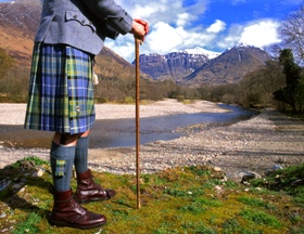 kilted_man_in_glencoe_280x216_jpeg.jpg