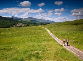 west_highland_way_walkers_280x204.jpg